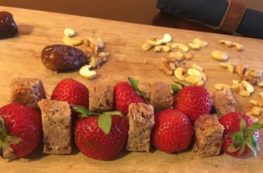 strawberry bread, cashews, organic, gluten-free, delicious recipe